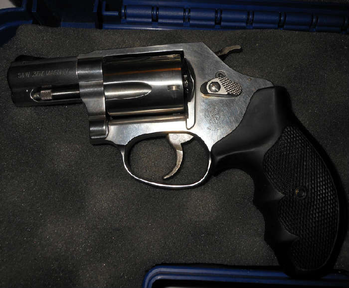 Excellent Smith and Wesson .357 Magnum with case