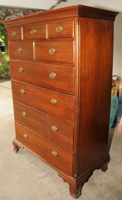 Tall Chest of Drawers, Chippendale, Great Surface, Exceptional Drawer Graduation 18th Century Walnut, old dry surface