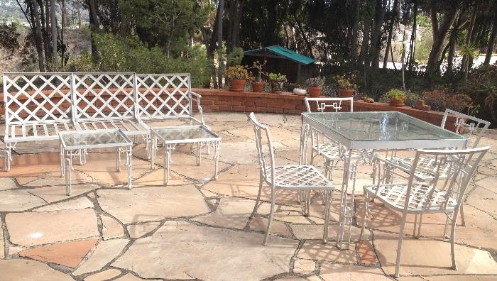 Great unusual  vintage heavy wrought iron patio set with Asian motif.  Needs some work  priced to sell!