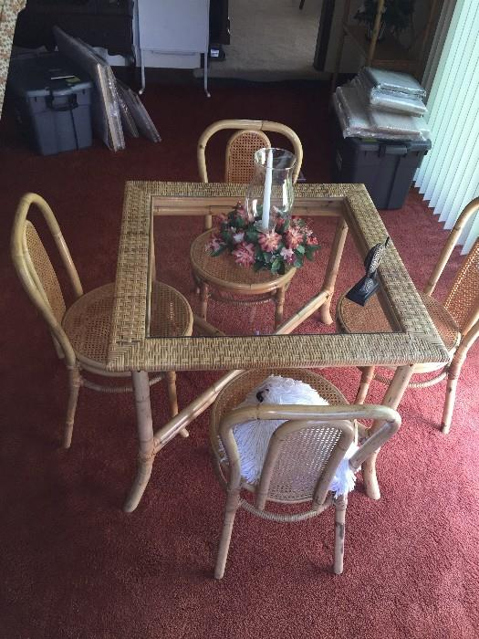 WICKER & BAMBOO TABLE WITH GLASS-TOP AND 4 CHAIRS