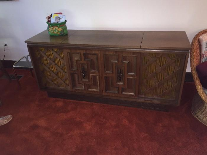 LONG RADIO/RECORD PLAYER WITH CREDENZA
