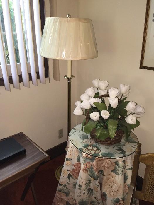 FLOOR LAMP / HOME DECOR'