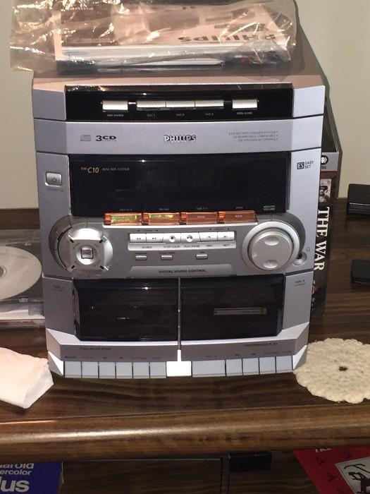 PHILLIPS RADIO/STEREO CD PLAYER