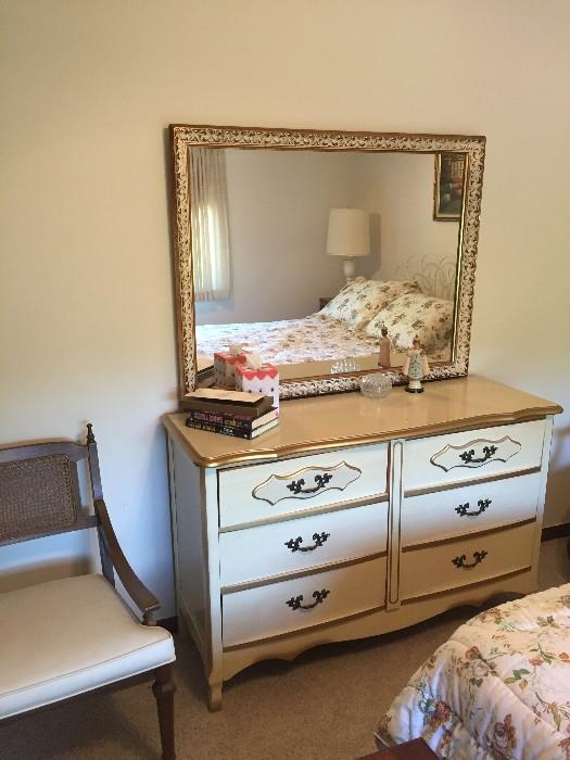 DRESSER WITH MIRROR / FRENCH PROVINCIAL