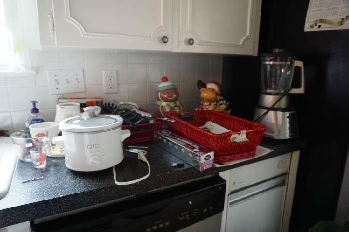 Small appliances and kitchen items