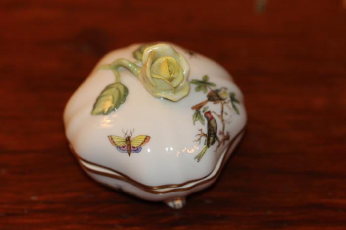 Herend Rothschild Bird trinket box