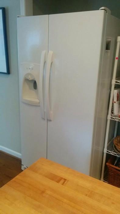 Nice side-by-side fridge/freezer