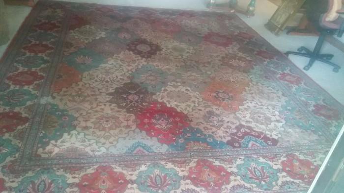 10' x 13' handwoven 100% wool Persian rug