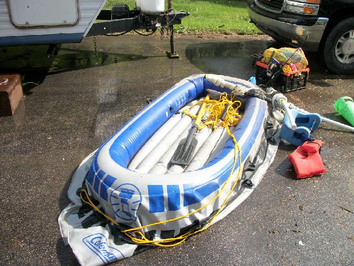 coleman raft w/oars