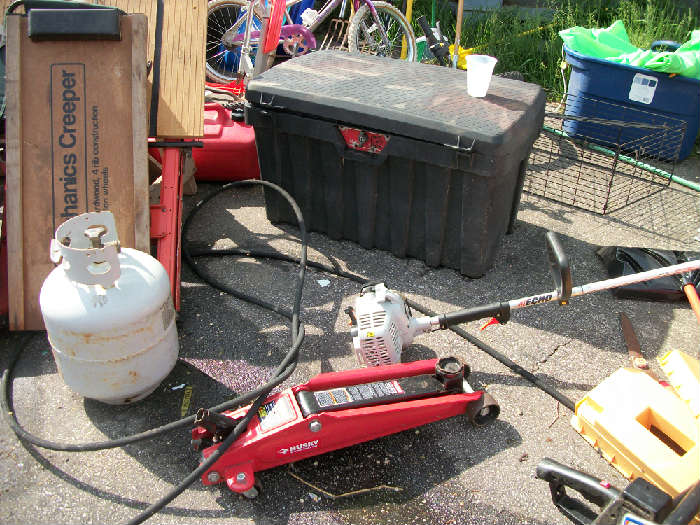 truck tool box and power jack