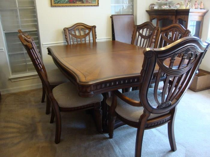 Dining Table, 2 leaves, six chairs