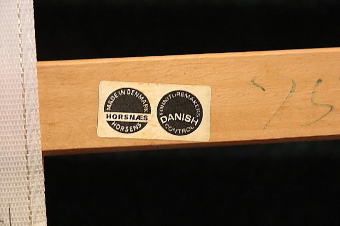 Horsnaes label on bed slats