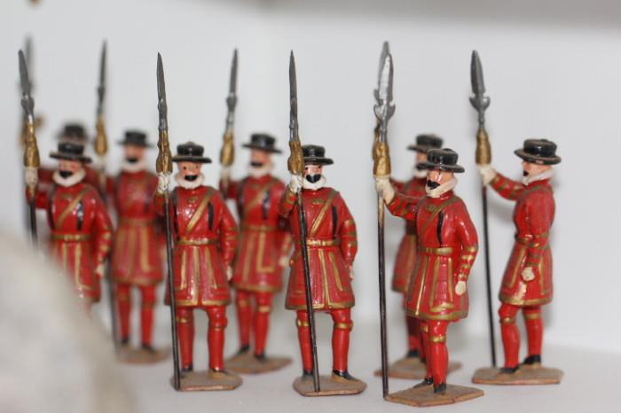 HUGE collection of TRADITION Limited Edition toy soldiers - Soldiers of Great Britain -