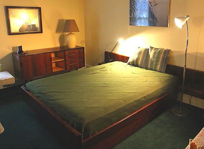 Vintage high-end rosewood Danish Modern bedroom set - Horsnaes of Denmark - in excellent condition