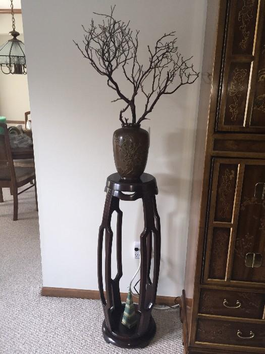GORGEOUS CARVED WOOD STAND WITH ORIENTAL VASE AND BRANCHES