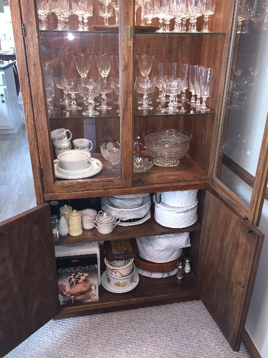 DREXEL TALL SLIM CHINA CABINET WITH LIGHTING