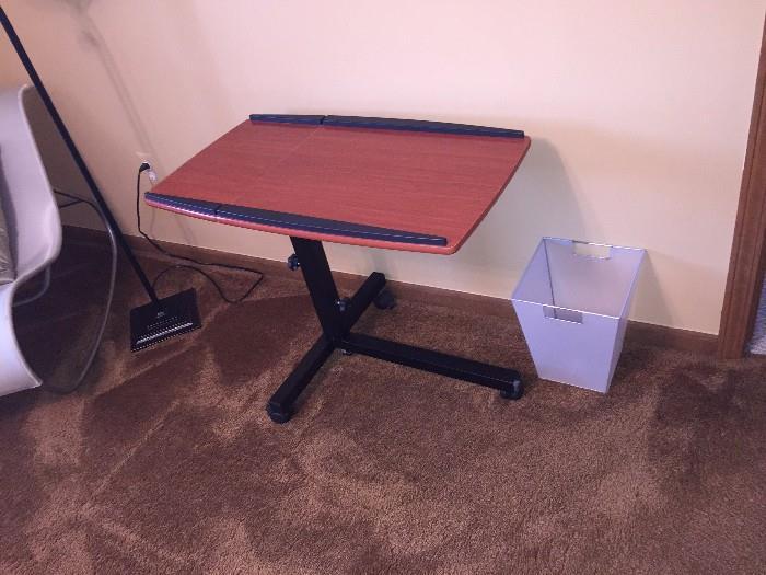 SLIDING TV TABLE