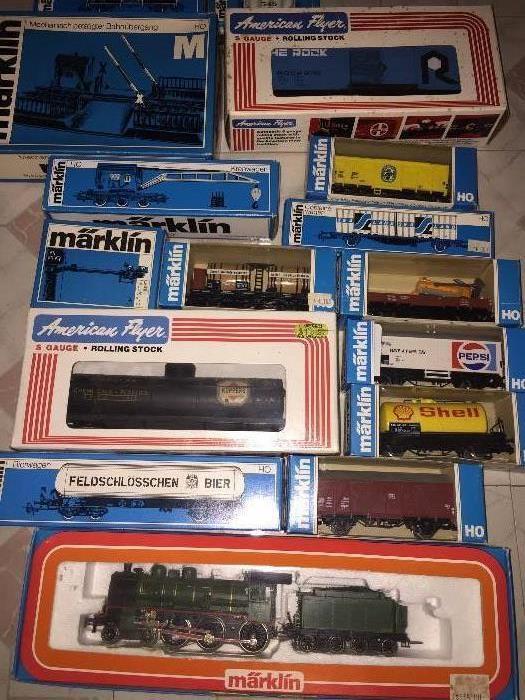 1960S AMERICAN FLYER MODEL RAILROAD TRAINS / MARKLIN MODEL RAILROAD TRAINS