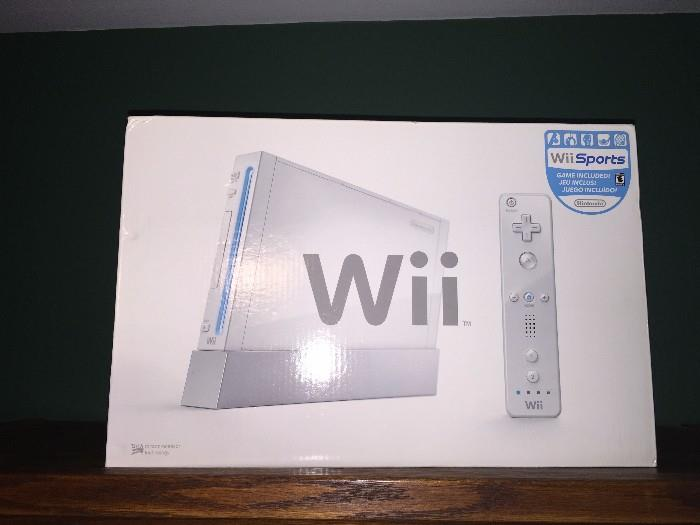 BRAND NEW SEALED IN PLASTIC Wii SPORTS SYSTEM