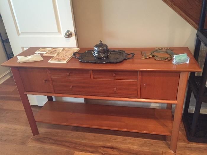 LONG WOODEN HALLWAY TABLE WITH DRAWERS