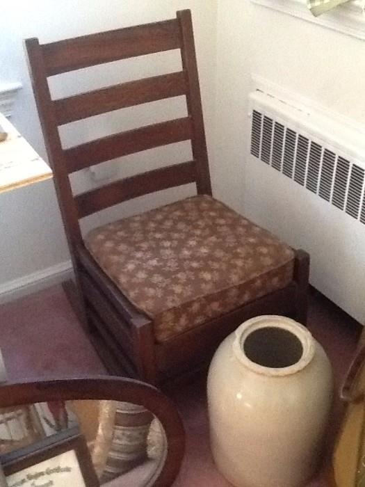 Antique furniture/rocking chair