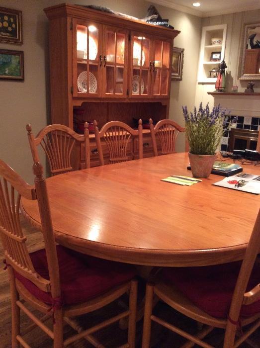 Lovely oak dining room set