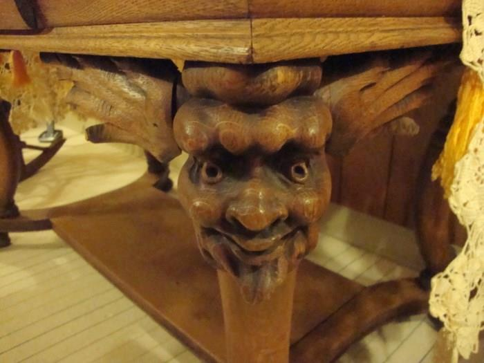 Front view of head on table