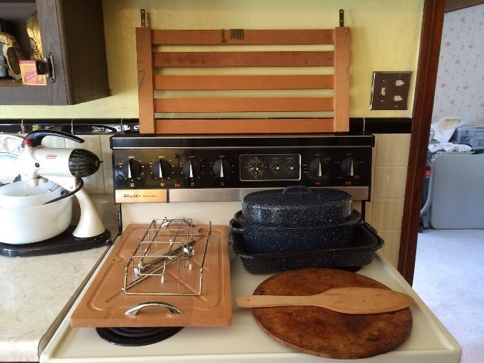 Vintage Kitchenware & Stove