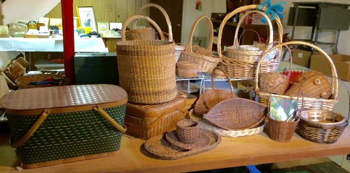 Woven Baskets & Picnic Baskets