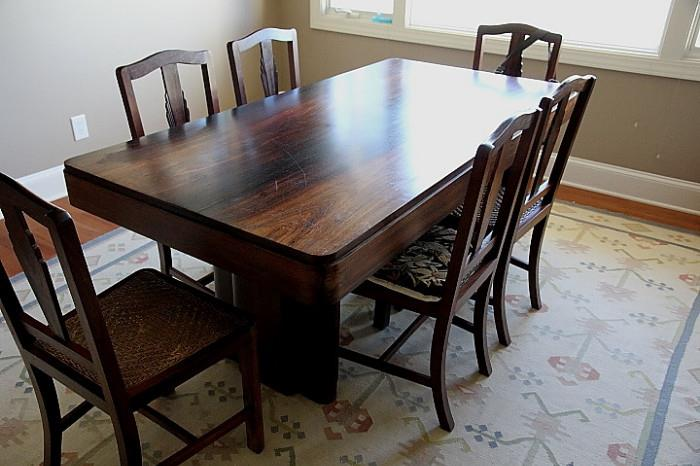 Beautiful 1930s Rosewood dining table + six art deco era dining chairs