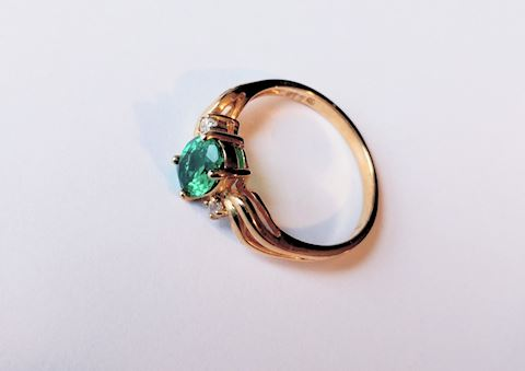 Sterling Silver Ring Emerald Color Gemstone