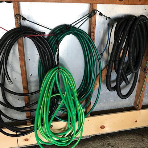 4 hoses