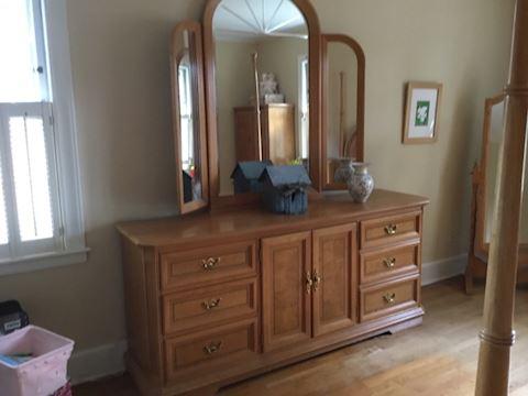Queen Blonde Bedroom Suite