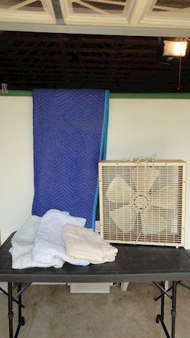 box fan & blankets Lot #90
