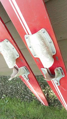Northland Holiday Red water skis Lot #160