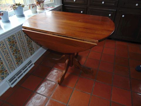 Oak Drop-leaf Table and Chairs