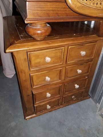 Wood Sidetable