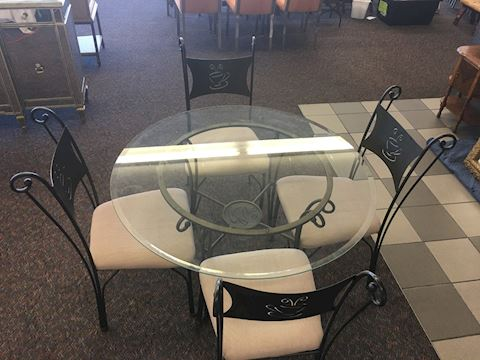 "45"" Round Glass Kitchen/Coffee Table w/four chairs"