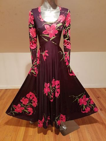 1970 Boho Chic Floral Lilly Maxi full sweep dress