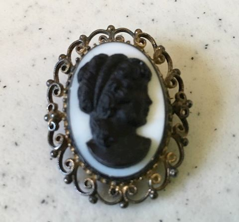 "Cameo 1.5"" Marked- Inc. Sterling"