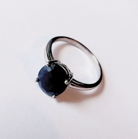 Sterling Silver Ring Dark Purple Oval