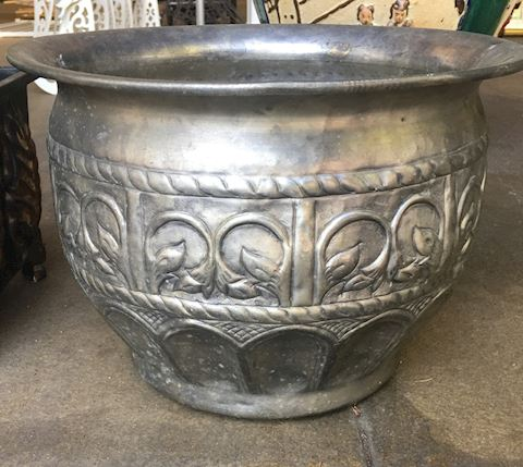 Lot of 2 Metal Planters