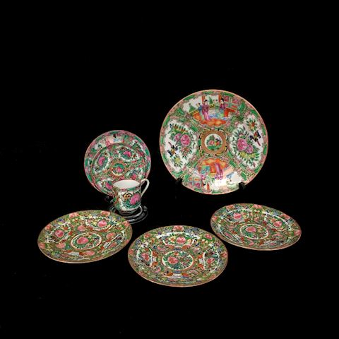 Wonderful set of 7 antique Chinese Rose Medallion