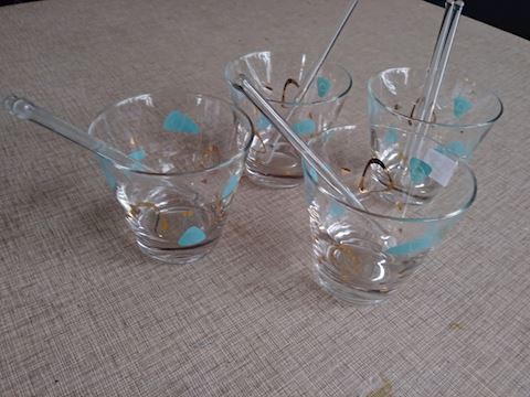 4 vintage cocktail glasses w/ glass swizzle sticks