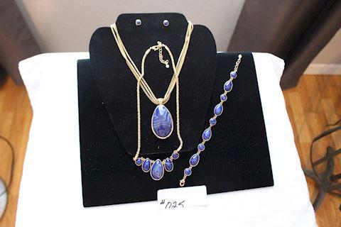 #025 Lot 3 New Twilight Necklace Earring Bracelet