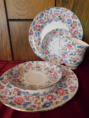 146 Bright Floral China Set of 2