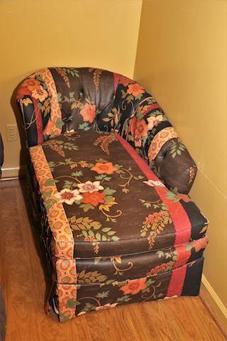 Left Arm Chaise Lounge (2 of 2)