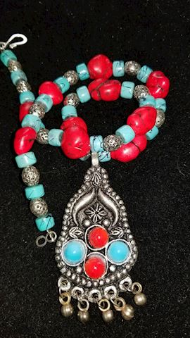 Necklace / red turquoise