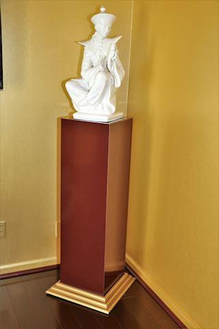 4 ft Burgundy/Gold Pedestal Stand