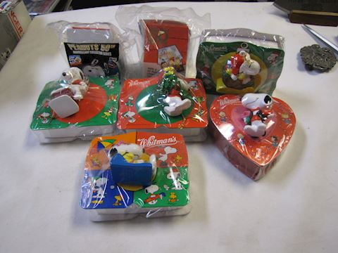Old Snoopy Unopened Candy Gift Boxes